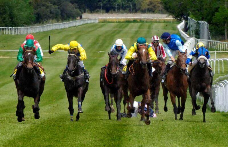 10 Momentos míticos en todas las carreras de caballos